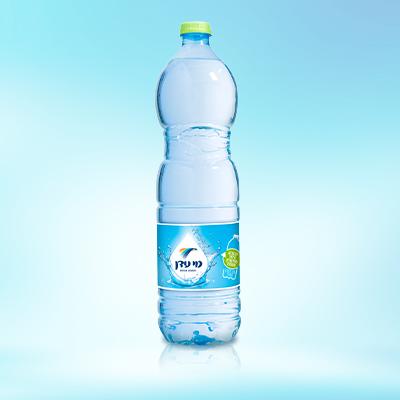 בקבוק מים 1.5 ליטר